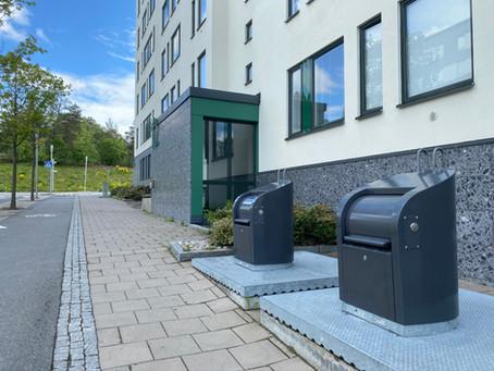 Sopbehållare för hushållssopor har tvättats / Rubbish bins have beeen washed