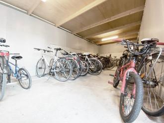 Brf Herrgårdsparkens cykelförråd