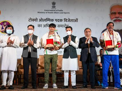 India unites to have fun Tokyo 2020 Champions: Neeraj Chopra's gold steals the felicitation ceremony