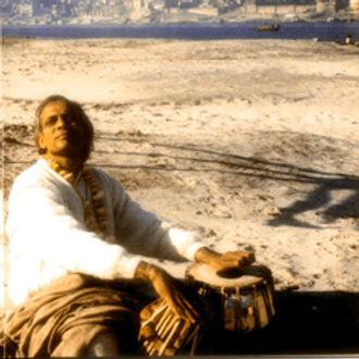 Lacchu Maharaj suona le tabla