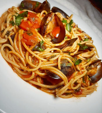 Moroccan Mussels in Tomato Sauce with Semolina Pasta
