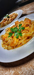 Creamy Roasted Sweet Pepper Sauce with Shrimp & Linguine
