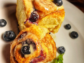 Blueberry Cinnamon Rolls (Vegan)