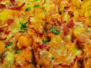 Cheesy Skillet Potatoes with Bacon