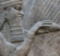 1200px-Génie_bénisseur_Khorsabad_Louvre_