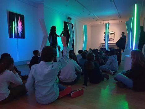 Exposition artistique , visite école, atelier artistique, médiation culturelle, art et culture