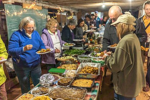 Farm Potluck Community Organic Farming Food Friends