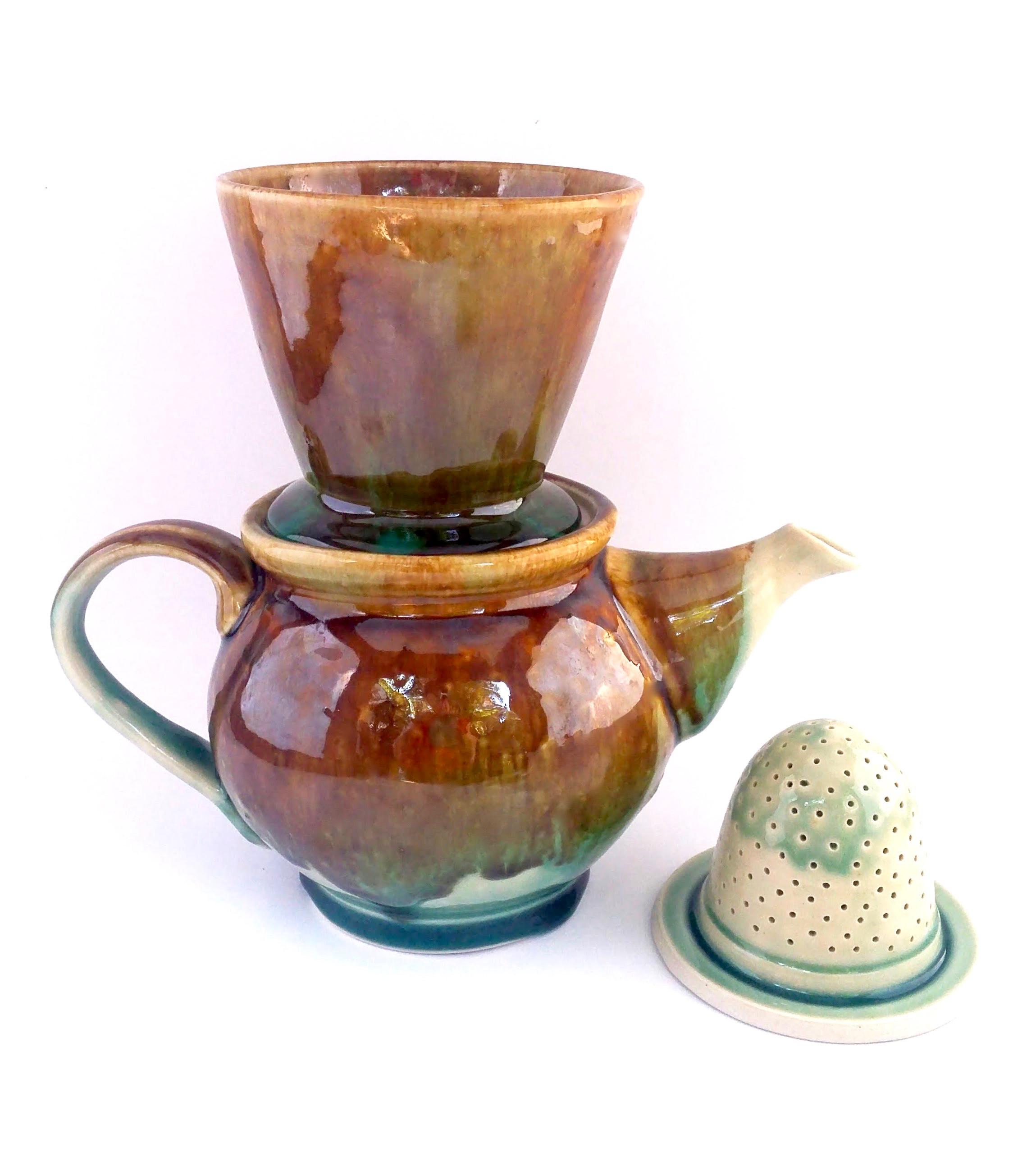 Teapot w/ Pour-over & Tea Strainer
