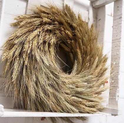 Hanger met tarwe in kistje