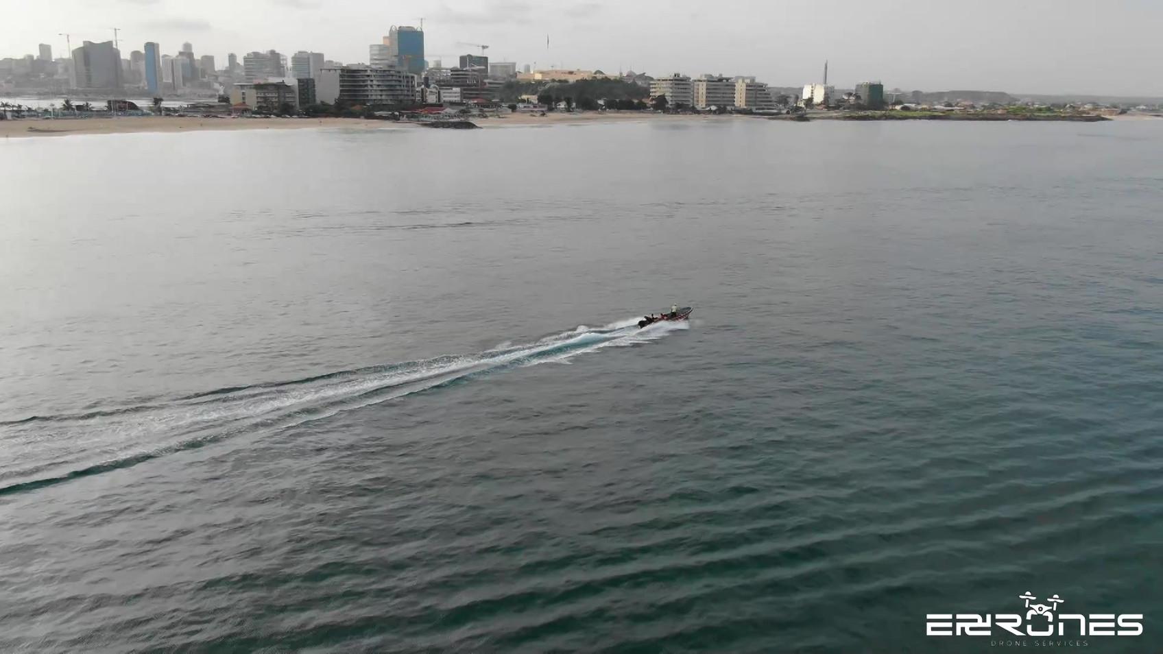 Barcos em movimento