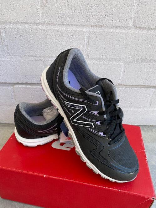 NEW BALANCE Ladies Minimus Shoes