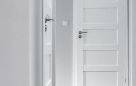 Que faire lorsque votre porte est bloquée ou claquée ?