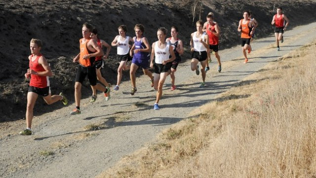 Tris Dodge, Stevie Sloan, and  Alex Glavin run with the pack (though not for long)