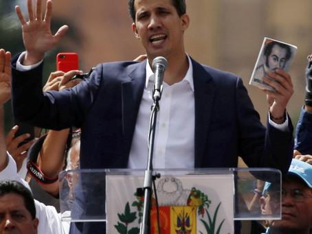 Pokus o převrat ve Venezuele. Guaidó prohlásil sám sebe prezidentem