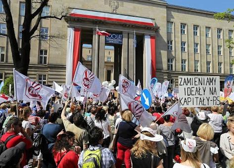 Posílení revolučních nálad v Polsku po prvním týdnu učitelské stávky