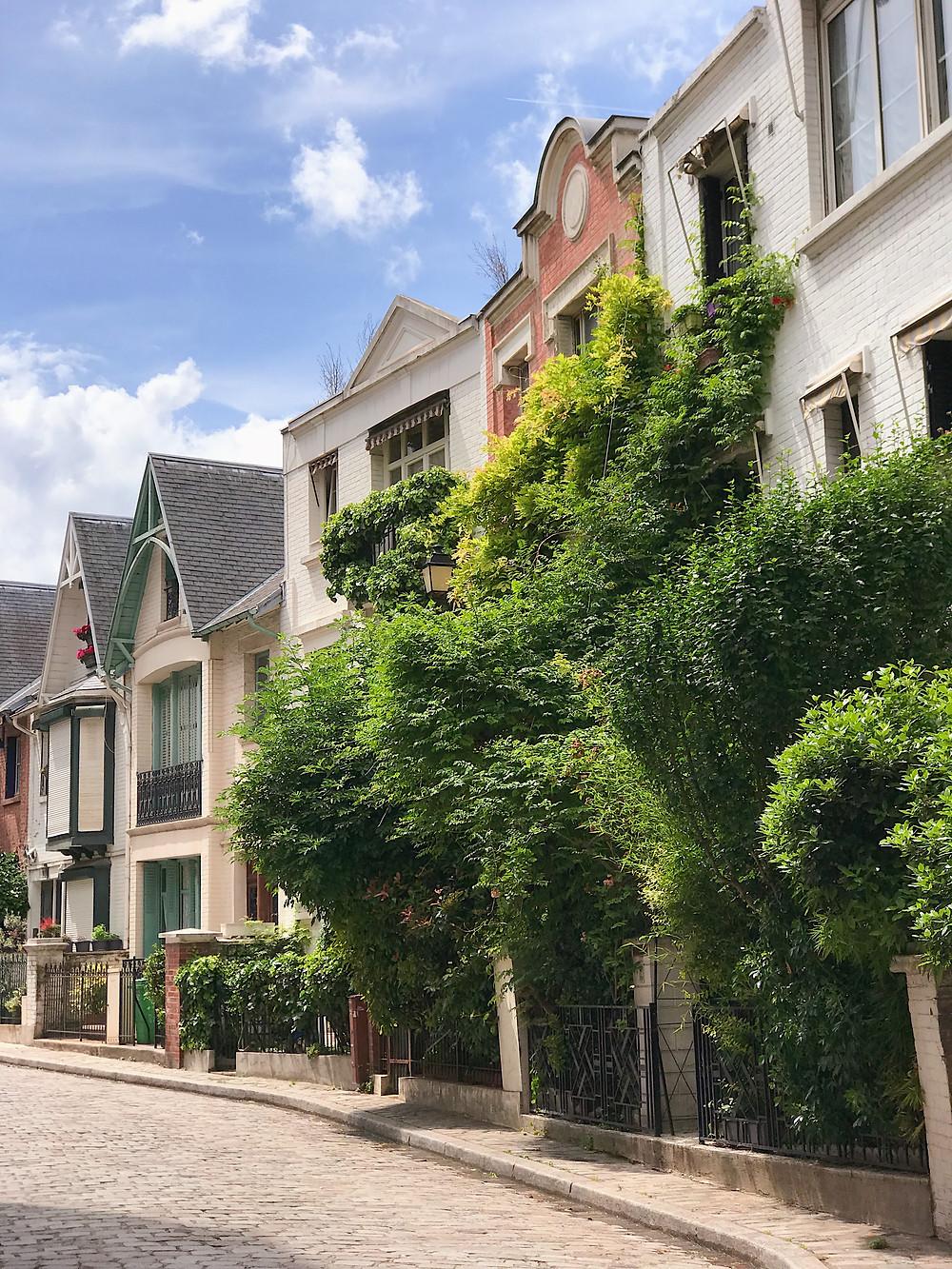 Parisienne row houses