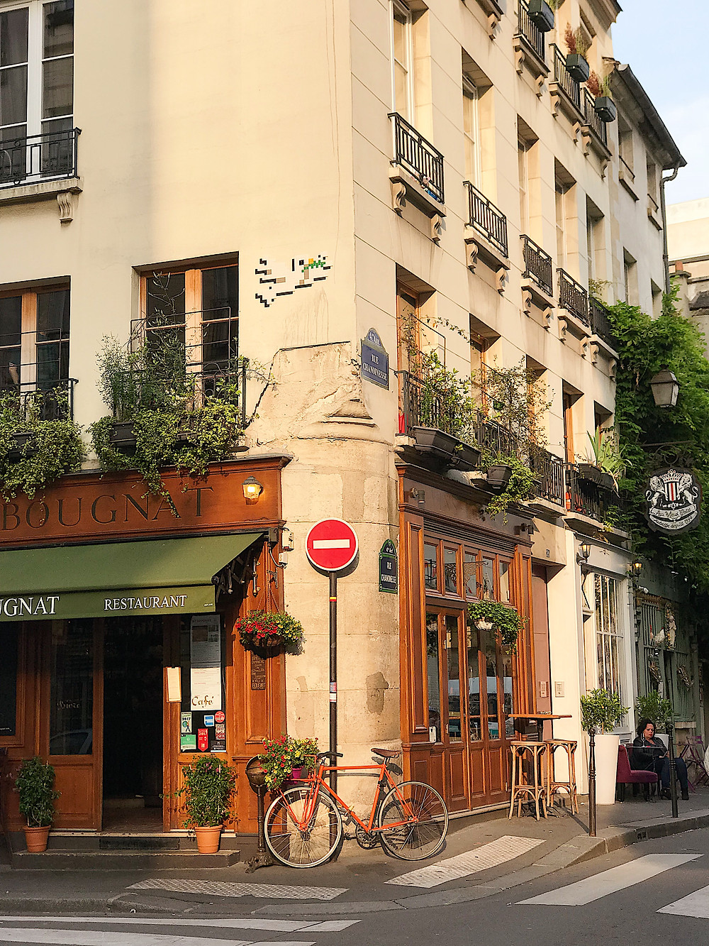 charming cafe