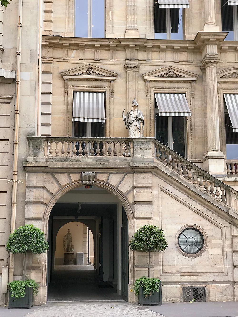 pretty Parisienne building