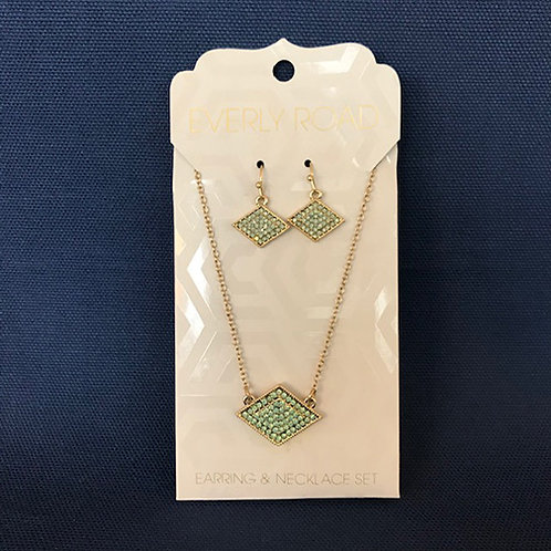 NJ022 Pavé Green Stones Necklace & Earring Set with Horizontal Diamond Shapes