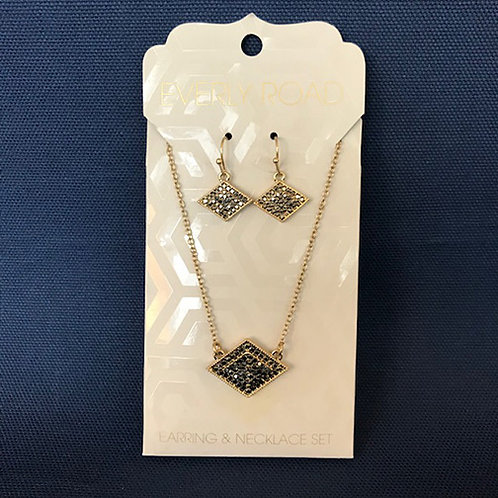 NJ021 Pavé Marcasite Style Necklace & Earring Set with Horizontal Diamond Shapes