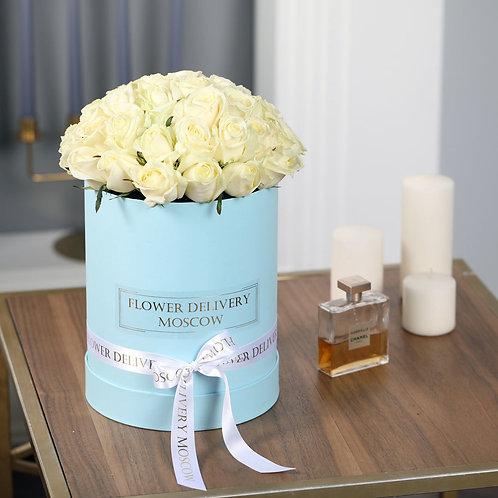 Розы белые в коробке 25 шт.