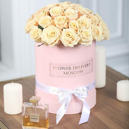 Розы кремовые в коробке 25 шт.