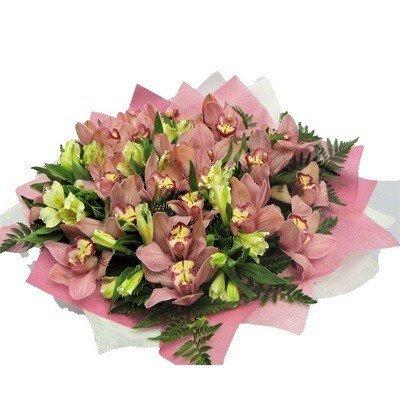 Букет розовых орхидей с альстромерией Амстердам