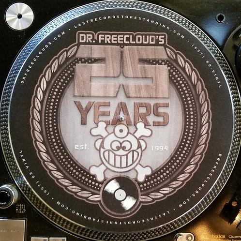 "Dr. Freecloud's 25 Year (wood grain) ""Slipmat"""