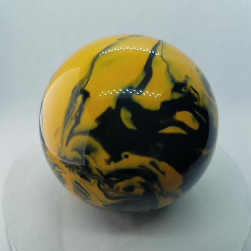 Yellow and black swirl floor shift ball