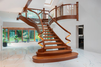 max-stairs curved staircase  small 002.j