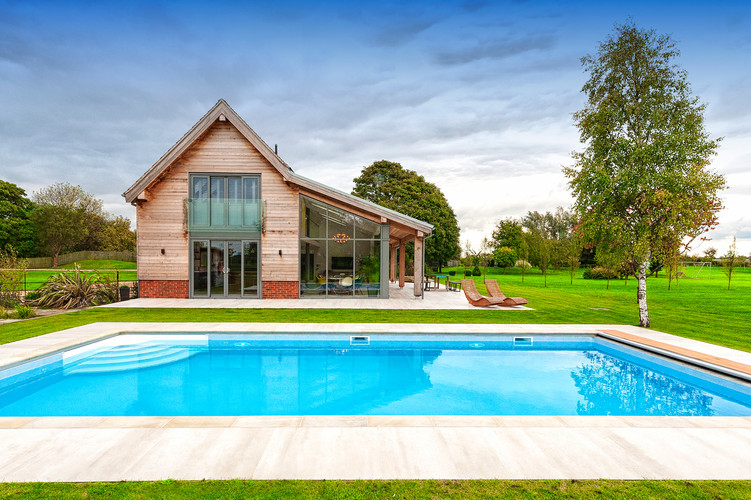House and pool nottingham property photography