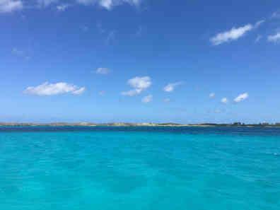 Atwood-Harbour-Beach-Bahamas-Turquoise-sea-Sailing-Catamaran-Charters