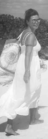 White dress walking parrot cay_edited.jp