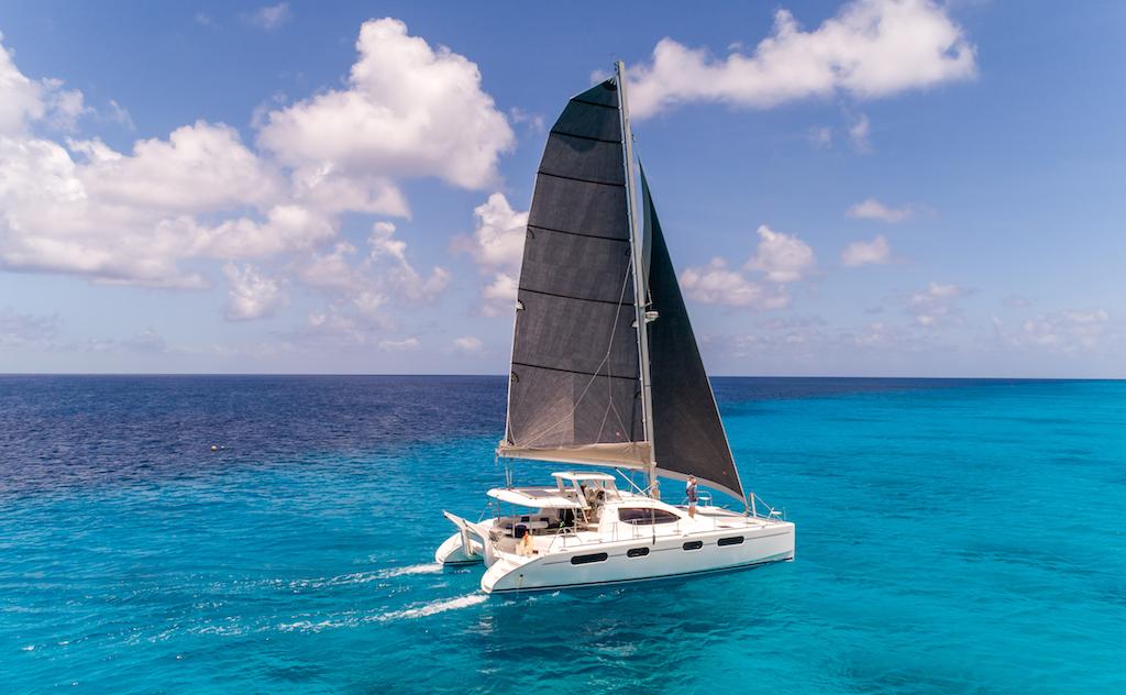 Carbon Sail Catamaran Bahamas Turquoise