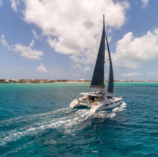 Video Bahamas Sailing Catamaran CHarters