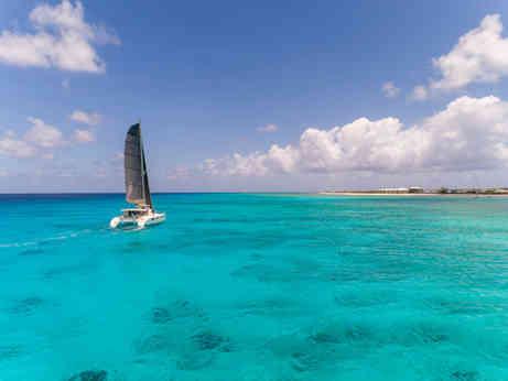 Turquoise sea, Reef, Bahamas Sailing Catamaran Charter