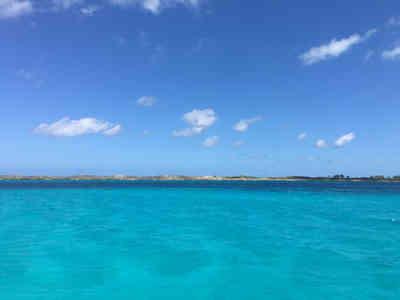 Crystal-clear-blue-ocean-Atwood-Harbour-Beach-Bahamas-Sailing-Catamaran-Charters