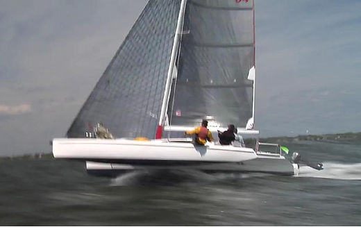 F28R sailing fast.JPG
