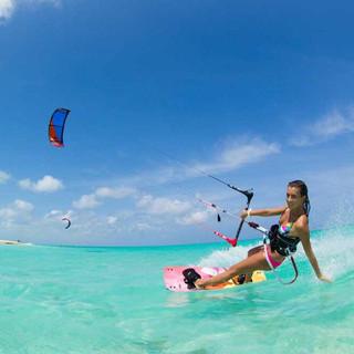 Kiteboarding on Long Bay