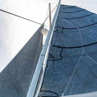 mast-main-sail-Calvert-Sails-Bahamas-Catamaran-Charters