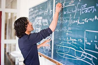 Usama Kadri - Research areas: Applied Physics; Wave Propagation; Multiphase Flows; Biological Fluid Mechanics