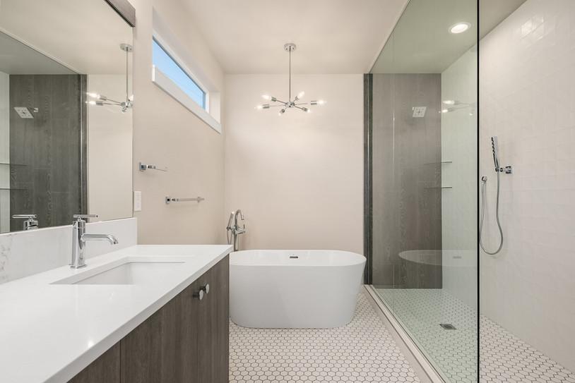 Enfort Homes Kirkland Master Bath.jpg