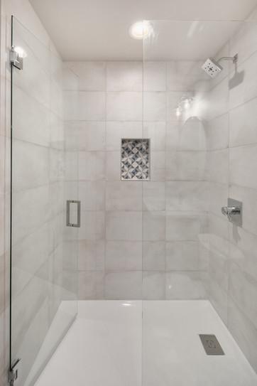 Enfort Homes Kirkland Guest Bathroom Sho