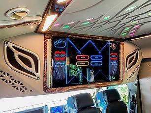 tv op tran xe limousine.jpg