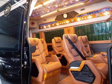 gia-cho-thue-xe-limousine-11-cho.jpg