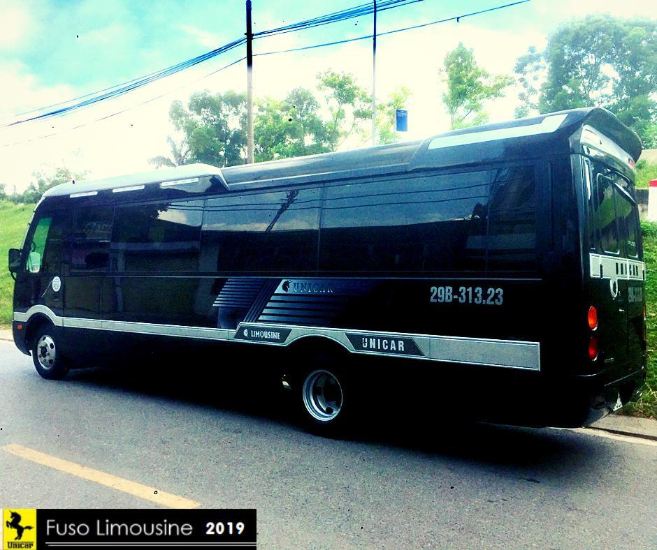 chiều ngang của xe Fuso Limousine 18 chỗ