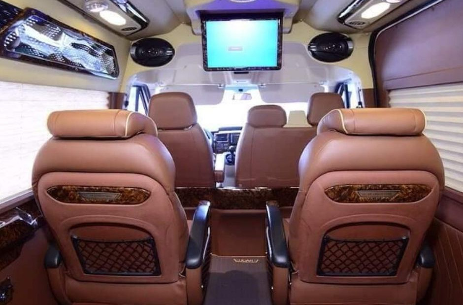 ghế bên trong Xe Limousine 9 chỗ