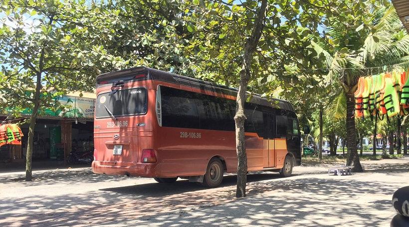 hang-trinh-xuyen-viet-29-ngay-xe-limousine.jpg