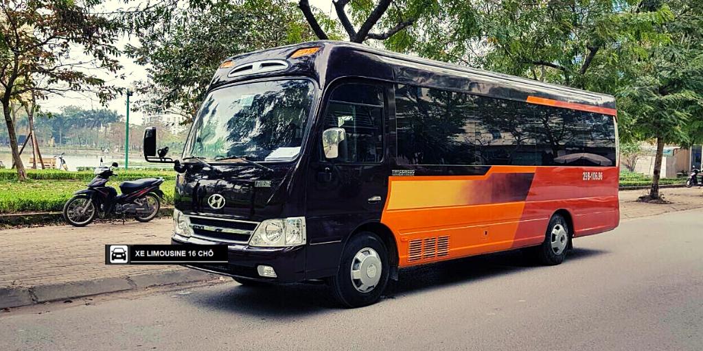 hình ảnh xe 16 chỗ limousine của asia transport