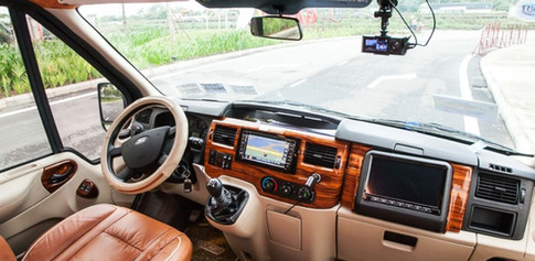 limousine van 9 seaters for rental